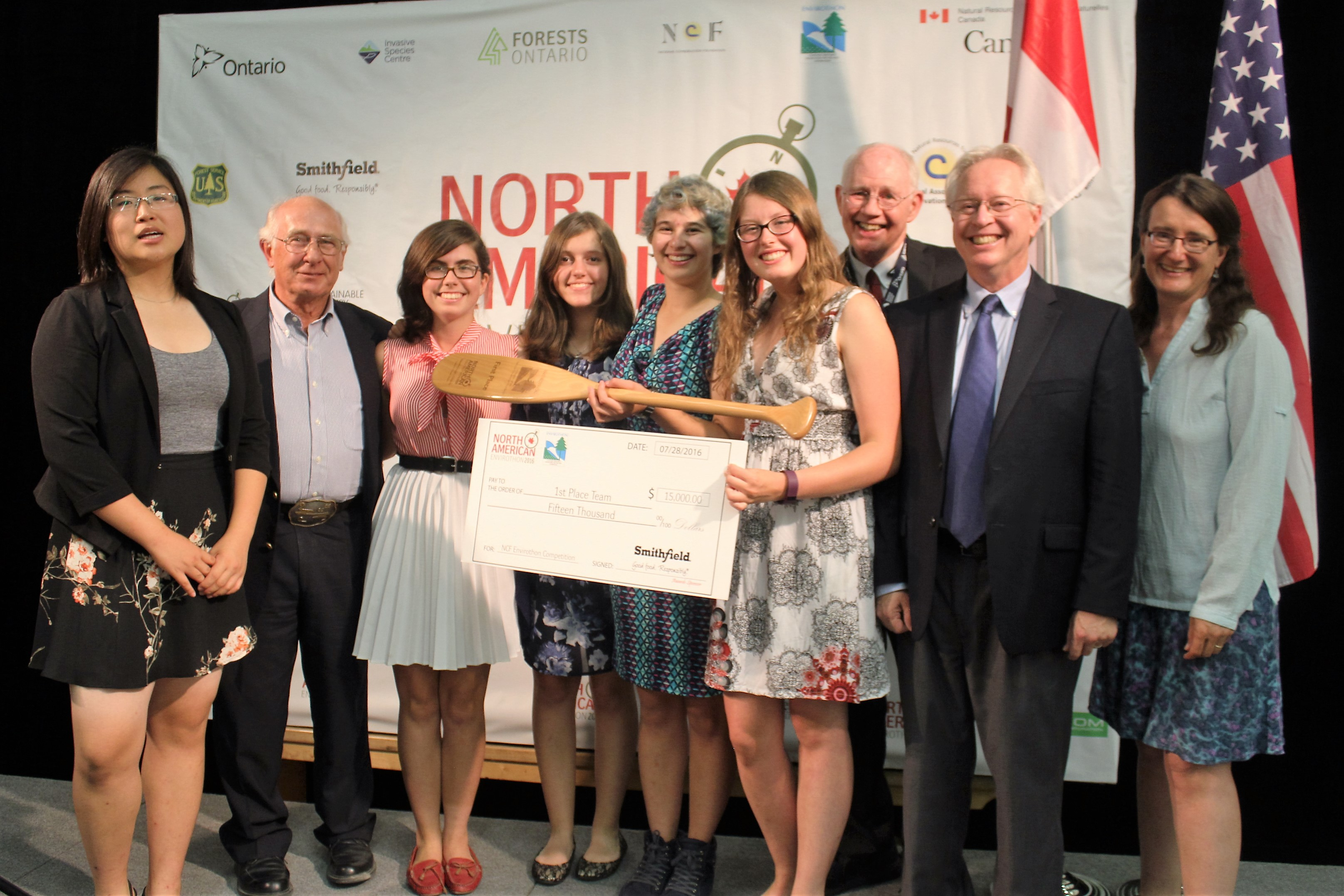 University of Toronto Schools (UTS) accepting top prize at 2016 North American Envirothon